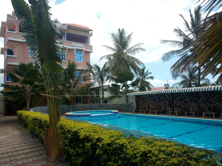 ABSAM VILLA WITH INFINITY SWIMMING POOL