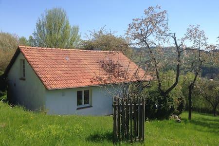 Romantische Hütte in idyllischer Natur - Spangenberg