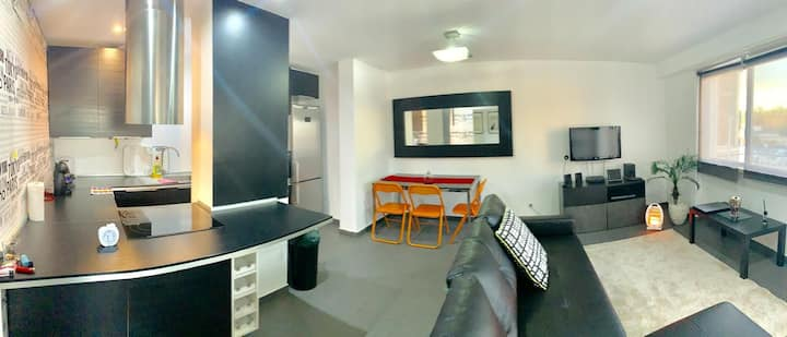 - Double room next to airport and university