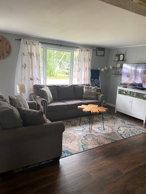 Cozy 3-Bedroom Cottage
