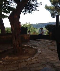 Villa Rustica immersa nel verde,a 3.8 km dal mare - Civitanova Marche