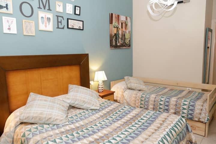 Pension Internacional - Habitacion Doble Superior con sofa cama. Baño privado - Tarifa estandar