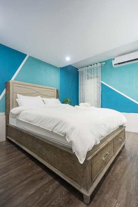 Bright Cozy Minimal room at MyMycheri