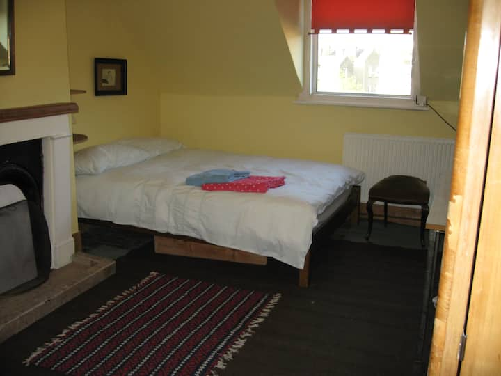 Double room in friendly house.