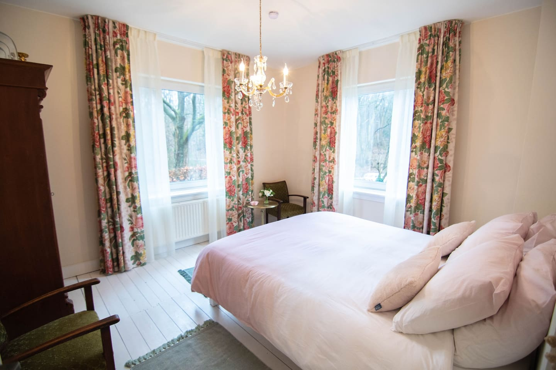 Prachtige slaapkamer in rustige en groene omgeving van Venlo!