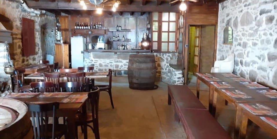 Ancien hôtel transformé en meublé de tourisme