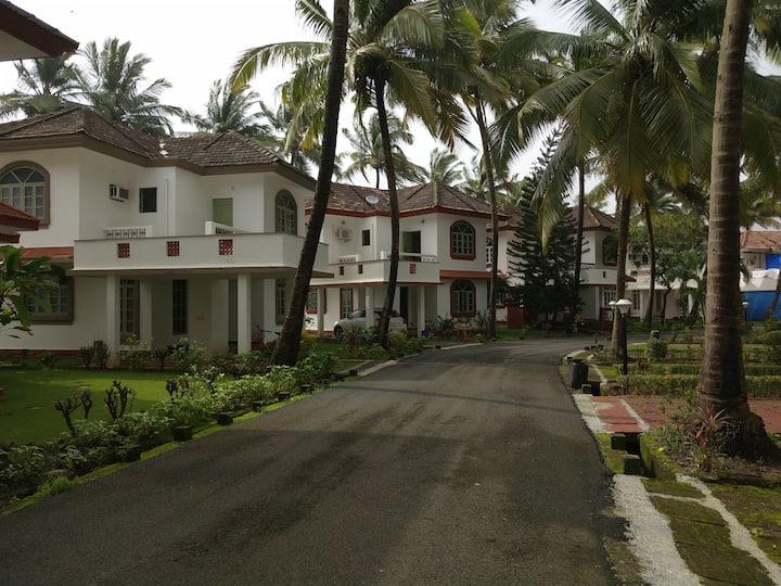 Cozy 2-Bedroom Beach Front Villa