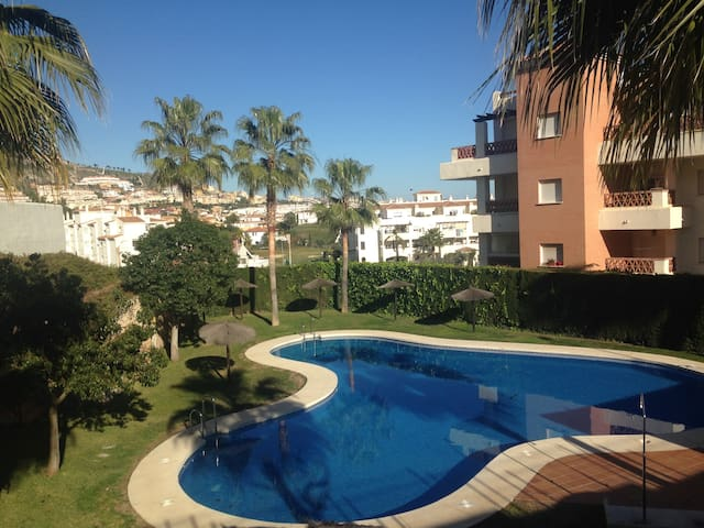 NEW! Flat terrace and outdoor barbacue WIFI TV - Benalmádena - Appartement