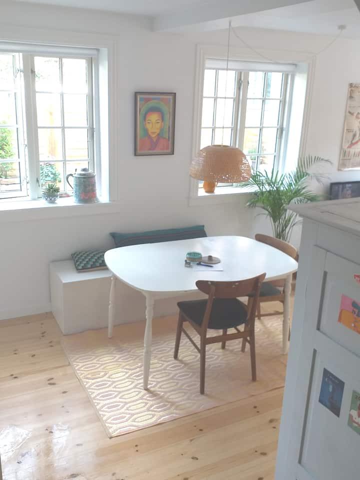unikt og hyggeligt byhus tæt på København.