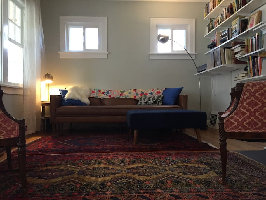 High-quality, comfortable furnishings and lots of books.