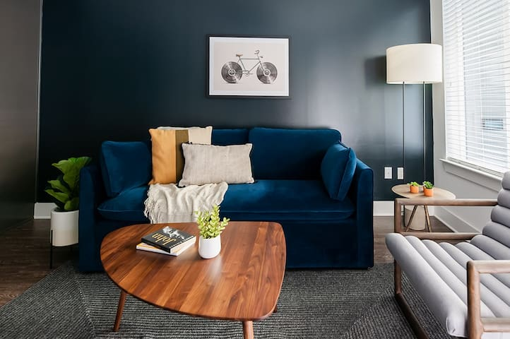Locale | Nashville Music Row | Spacious 1BR King