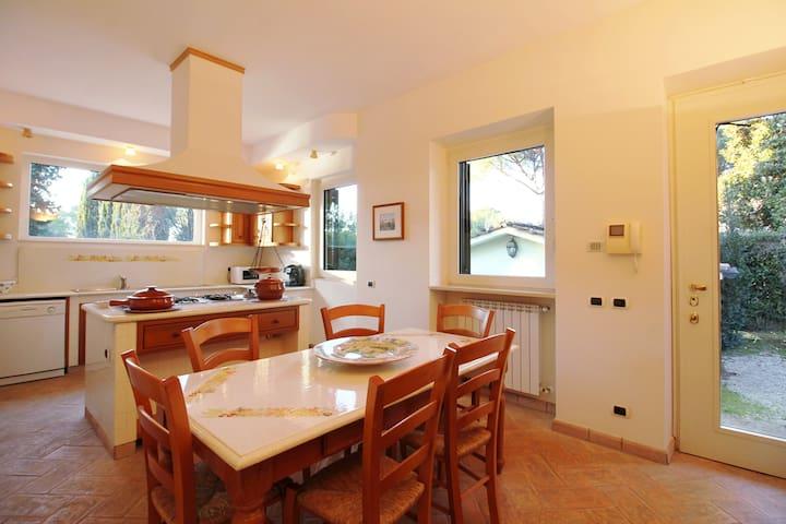 Roman Country Luxury 5 Bedroom Villa with Pool - Roma - Villa