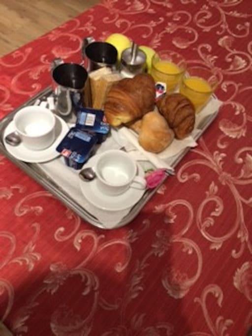 Piccola Colazione servita al mattino