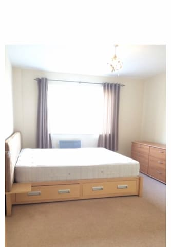 Double Room Chelmsford Town Center