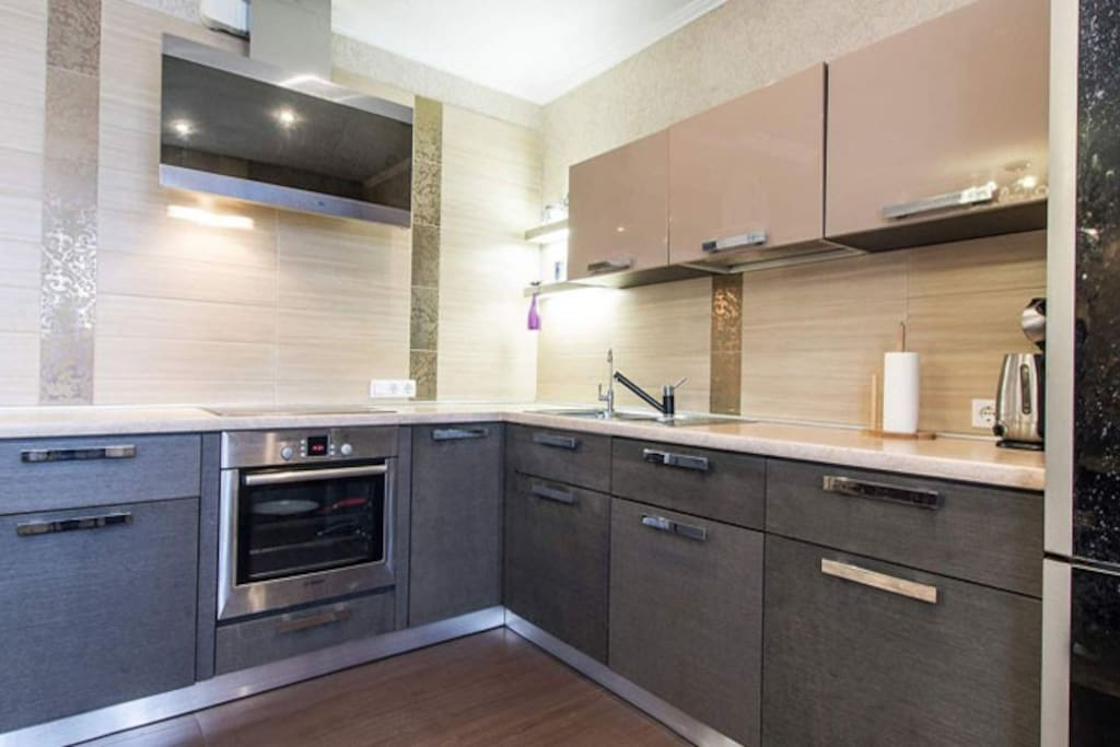 Modern fitted kitchen for Your comfort and tasty dinner!