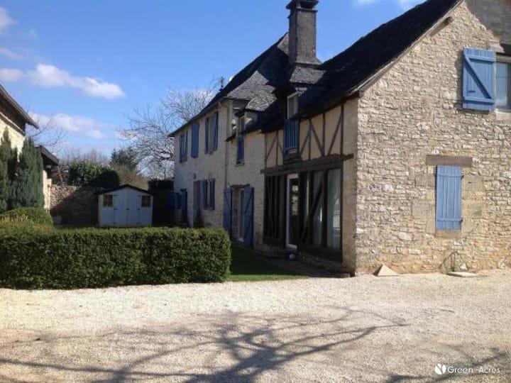 Résidence familiale de caractère en Dordogne