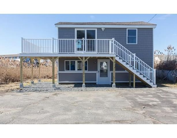 Beautiful beach getaway (unit 4) - Hampton - Bungalov