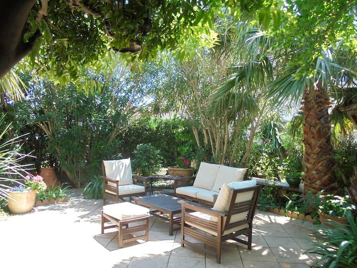 maison cosy avec ravissant jardin zen