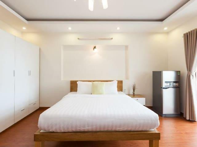 Balcony Room-District 7- La Apartment Saigon South