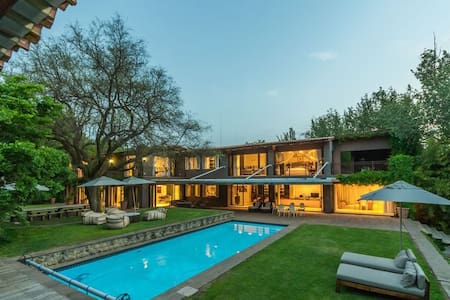 A luxurious Villa by the Vaal River