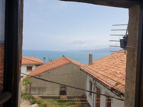 Lastres, apartamento con vistas  todo exterior.