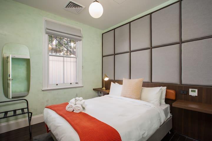 De Luxe Queen Room With Private En Suite