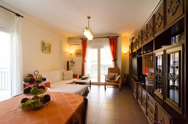 Lovely Beach apartment outside Thessaloniki - Thessaloniki - Huoneisto