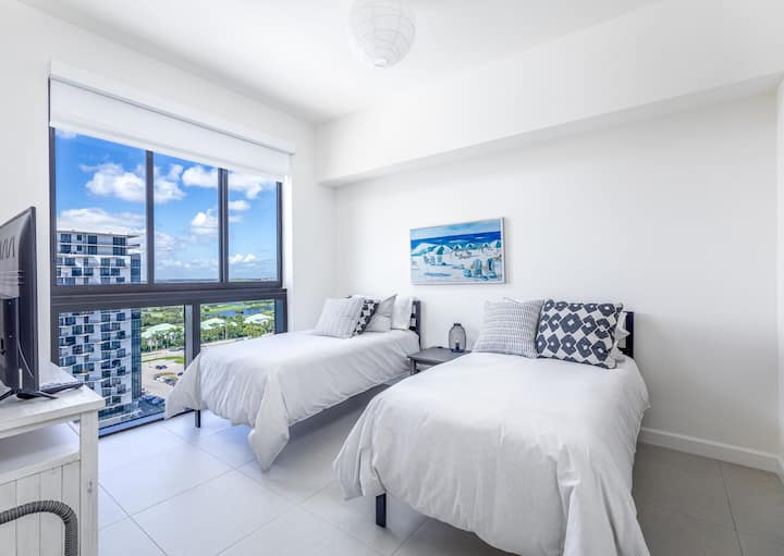 Unique suite in the heart of Downtown Doral