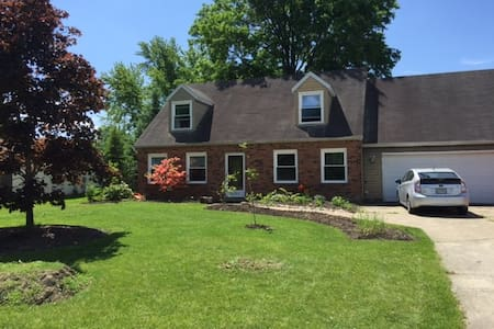 Honey's House- - Rootstown