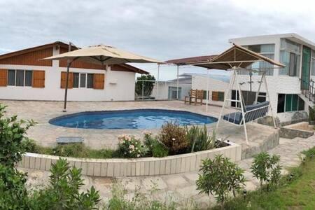 Casa Playa / Campo Mejía