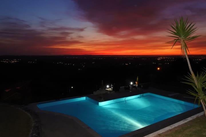 Suite privada em Cadaval-CASA DA EIRA-JAVALI