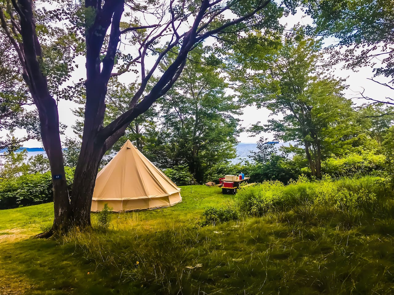 East Coast Glamping in safari-style tents. Maritime camping complete with all the camping gear in beautiful campgrounds around Nova Scotia.