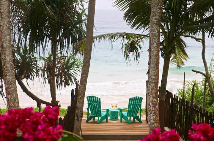 Entire Two Story Luxury Beach Front Villa - Galle
