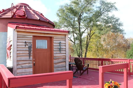 The Bunkhouse at Love's Hideaway