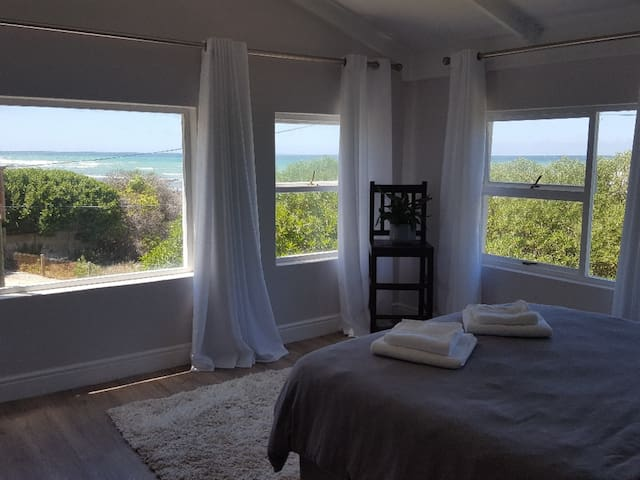 Family suite with lovely sea views - WiFi