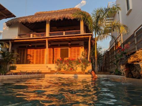 Studio Cabaña with Pool above Playa Manzanillo