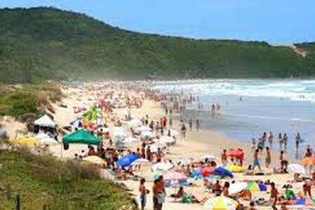 Hostel - Casa no centrinho da Praia do Rosa - Imbituba - Hostel