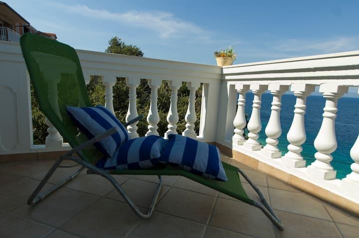 Corona free island Korcula, Sea view apartment