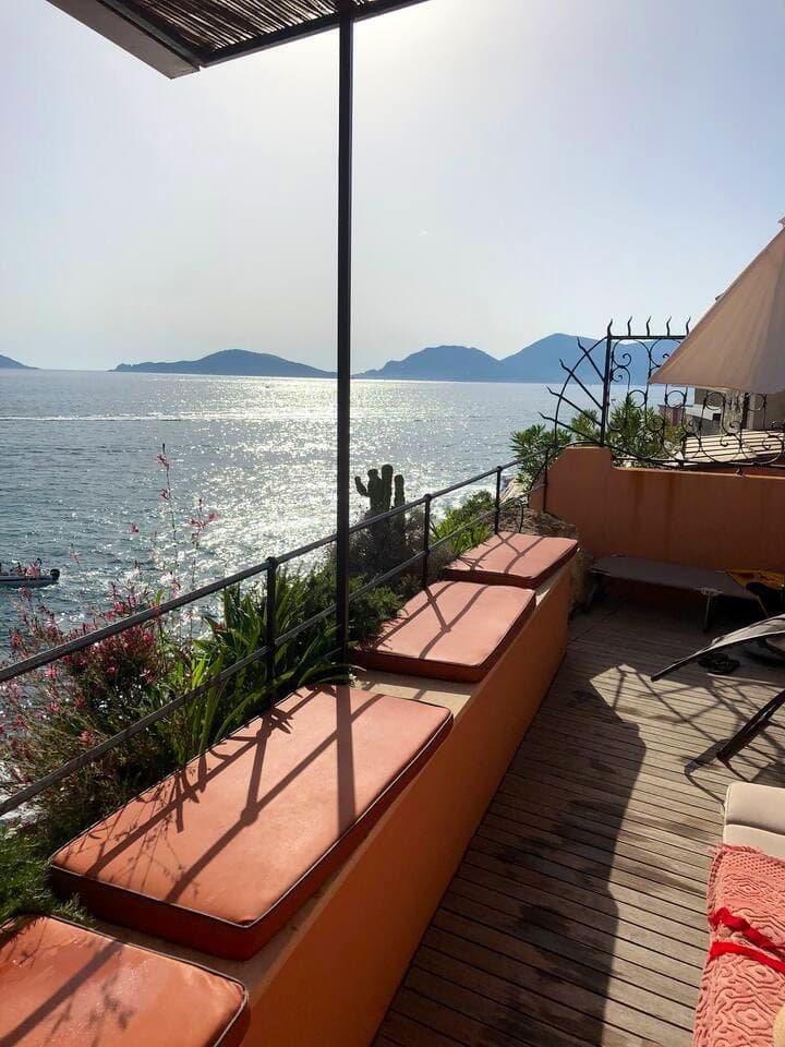 Tellaro retreat, dreamy loft on a cliff