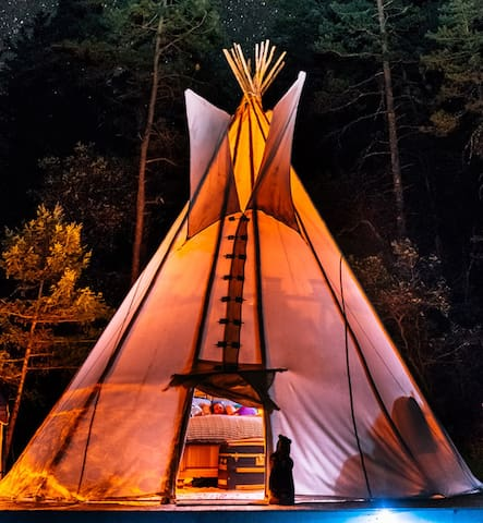 Cloudcroft Glamping Tipi in the Forest