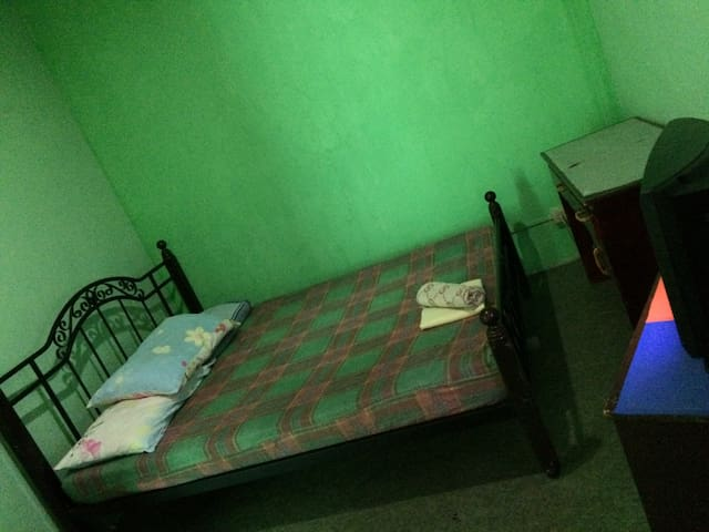 Comfy Room in the City - Iloilo City