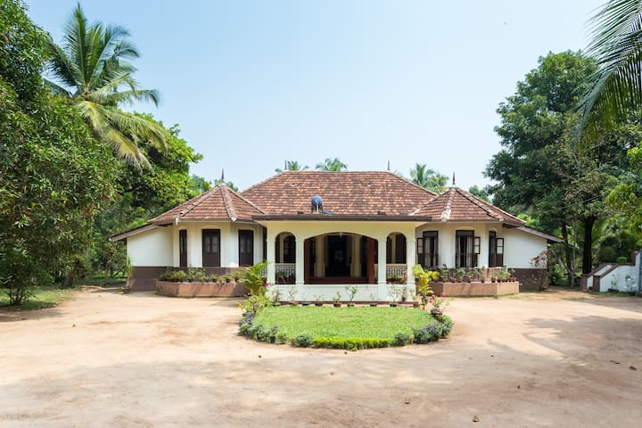 Interconnected room in a Christian Ancestral Home - Ezhupunna