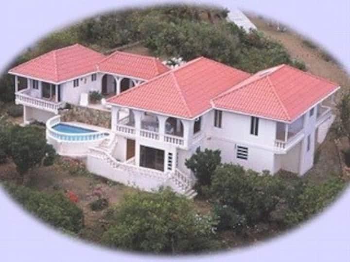 Serendipity Villa w/ Pool, Boat, Stunning Views