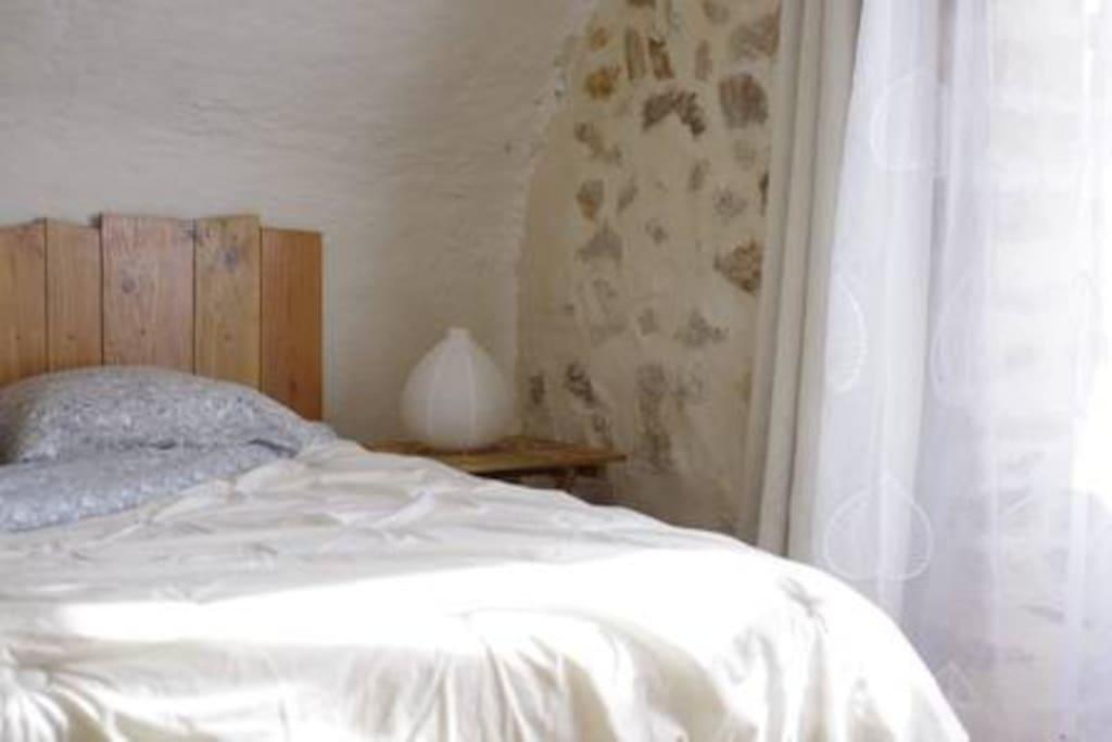 Votre chambre douillette et lumineuse ...