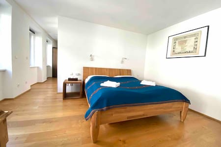 Modern 80m² apartment, lovely 7th district