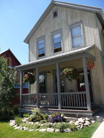 Horseshoe House 3 Bedroom - Mt. Crested Butte - House