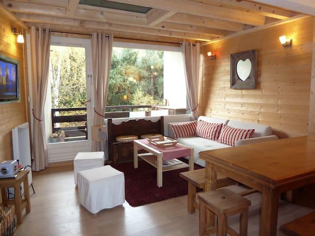 Appartement 4 ch type chalet à 300 m du village - Saint-Chaffrey - Apartamento