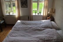 Soveværelse 1 med to enkeltsenge