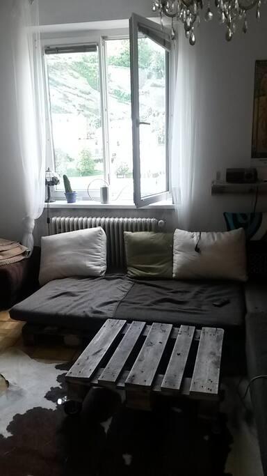 Wohnzimmer inkl. Beamer