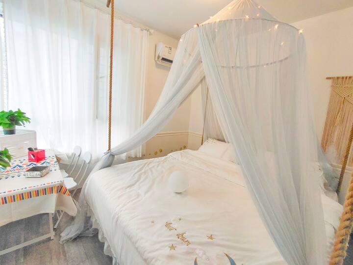 有共暖 万科拉维海岸 智能温馨吊床房 网红打卡 山海广场 金沙滩 魔法温泉 可做饭